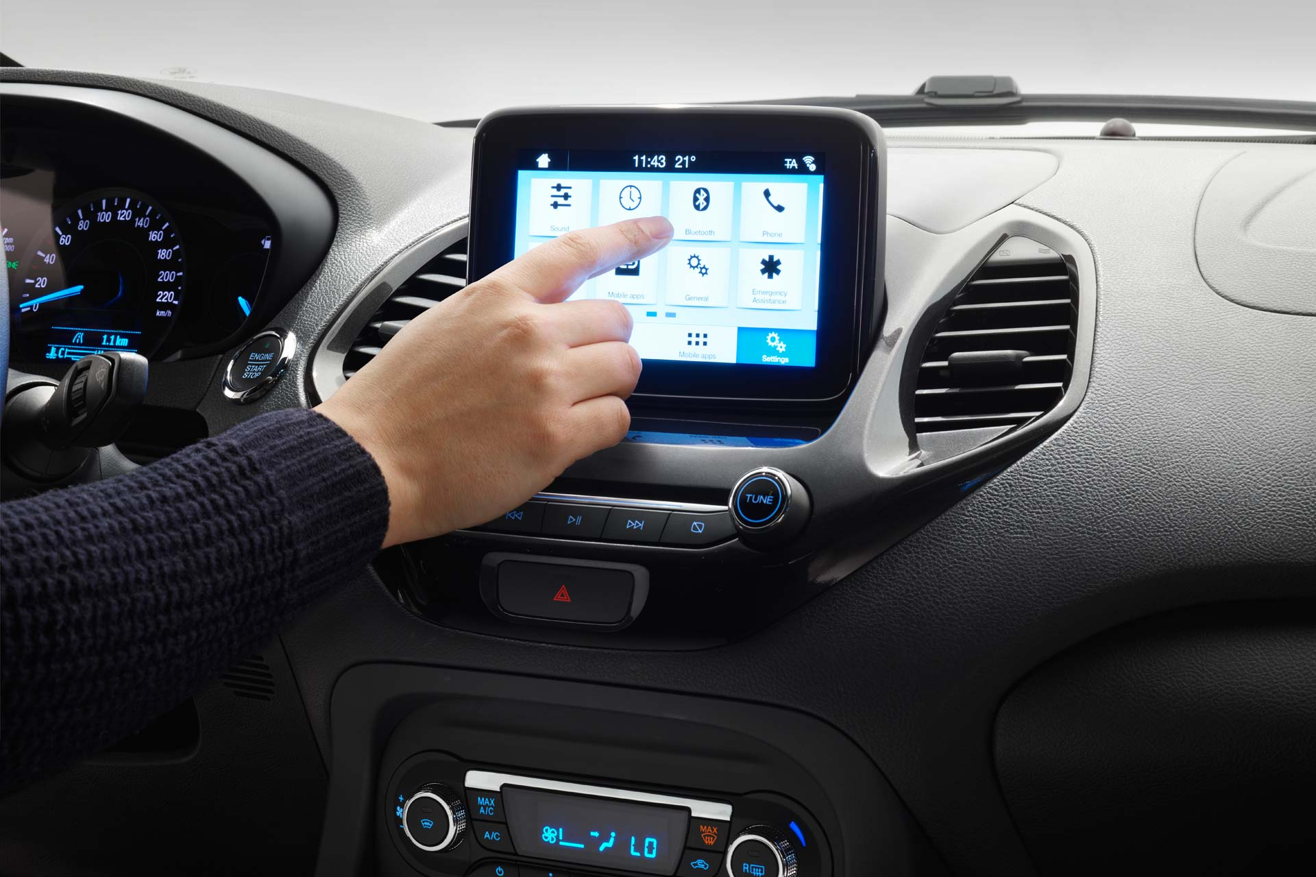 Ford-KA+-Active-Crossover-interior_4