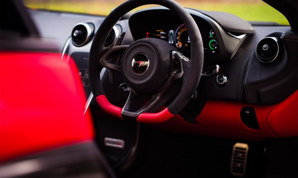 McLaren-570S-Spider-Vermillion-Red-Interior_2