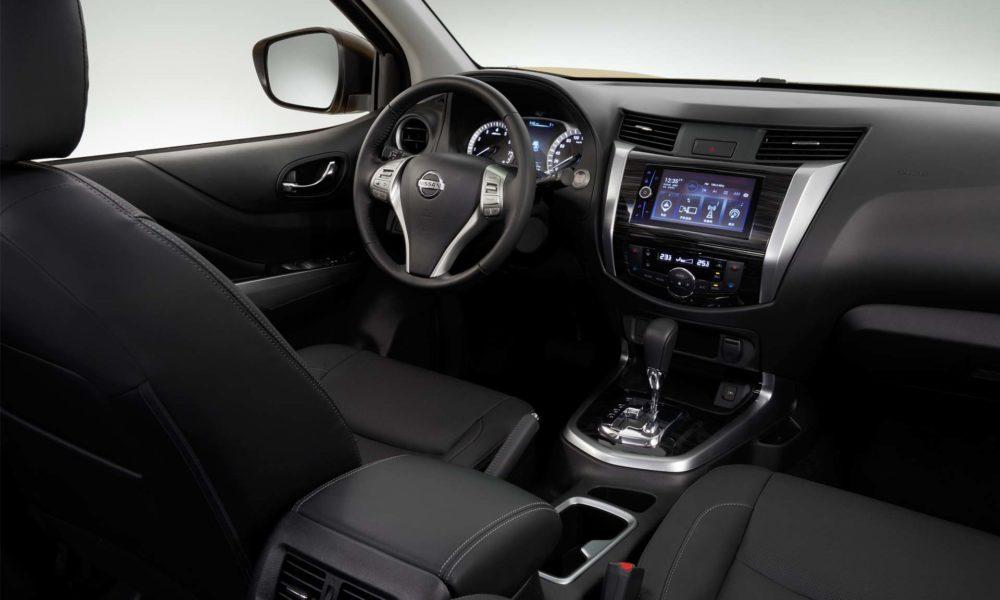 Nissan-Terra-Interior