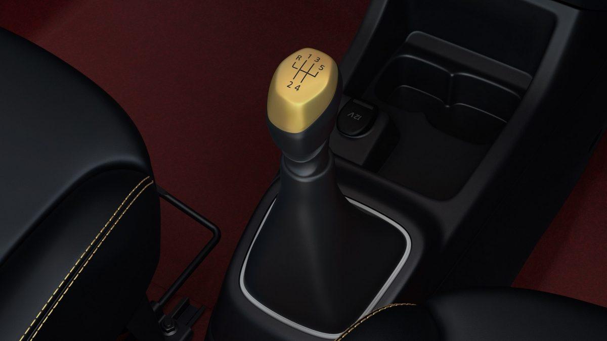 Renault-Kwid-Avengers-Captain-America-interior
