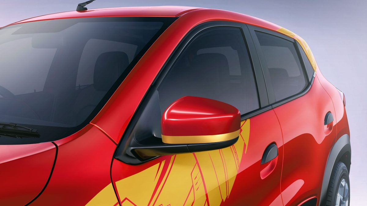 Renault-Kwid-Avengers-Iron-Man_2