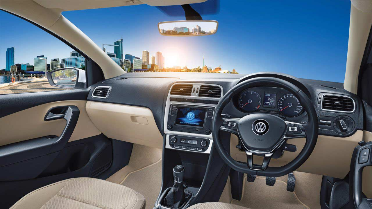 2014-5th-generation-Volkswagen-Polo-India-interiors