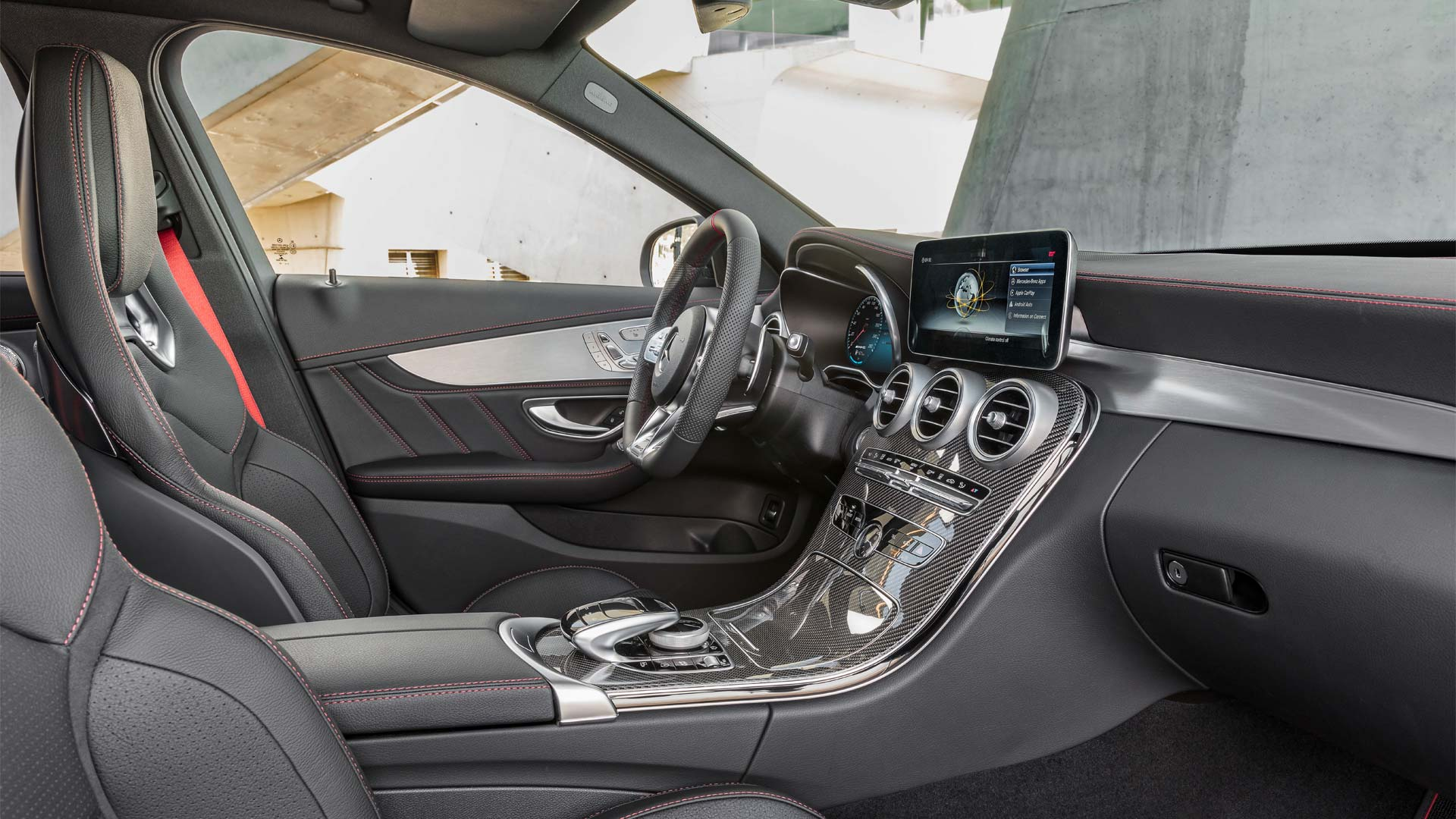 2018-Mercedes-AMG-C-43-4Matic-Interior