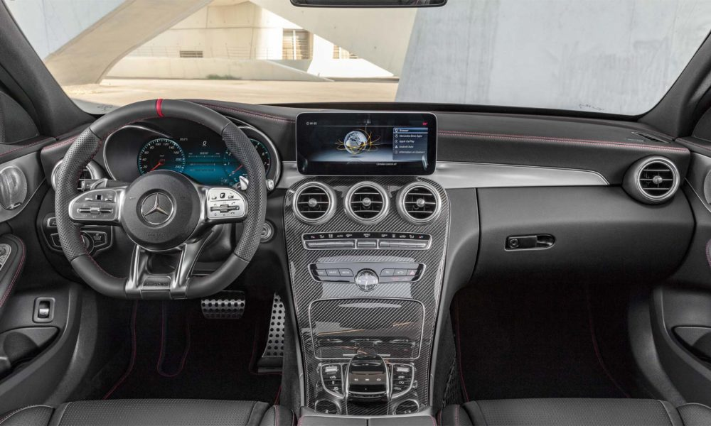 2018-Mercedes-AMG-C-43-4Matic-Interior_2