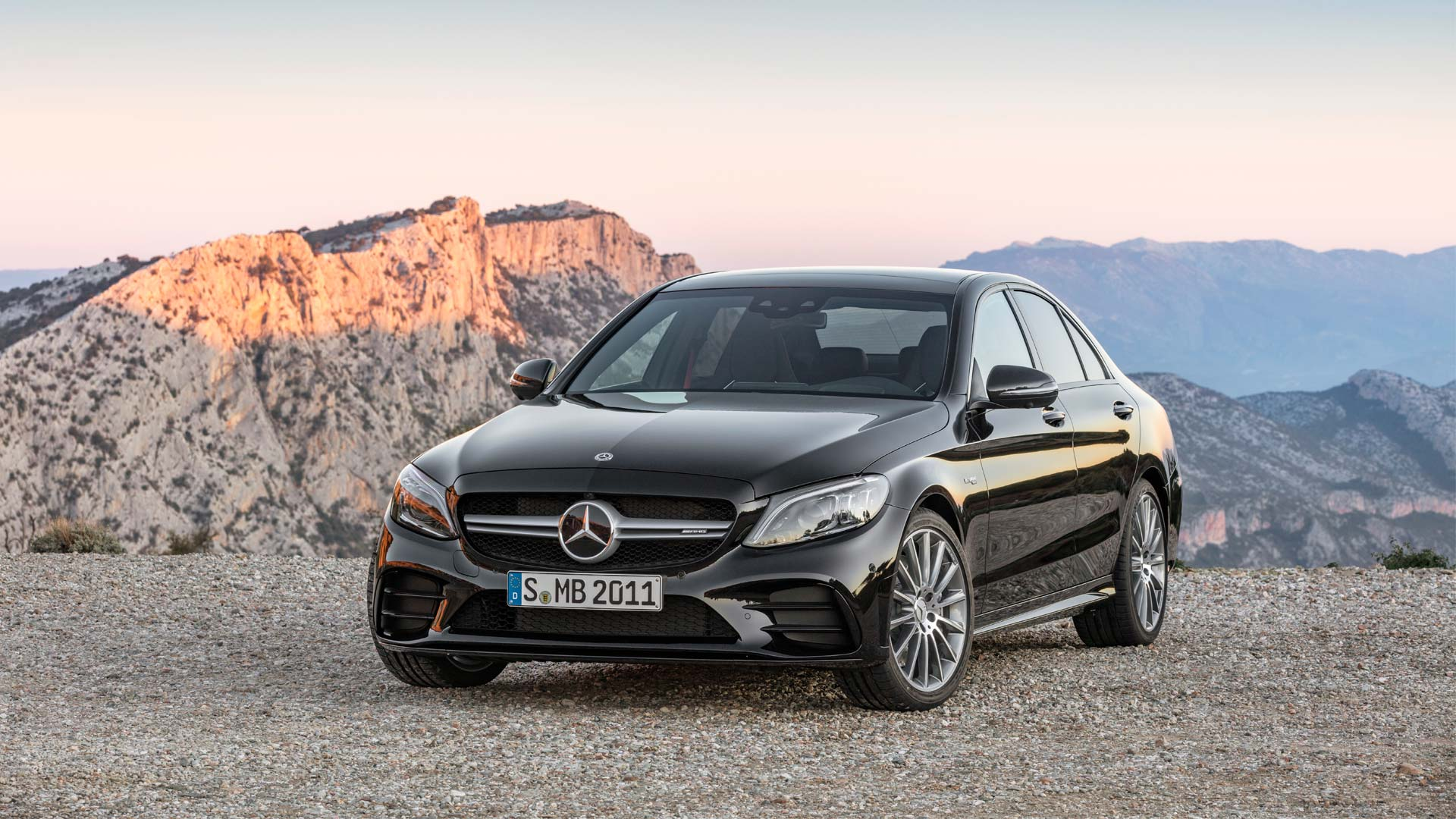 2018-Mercedes-AMG-C-43-4Matic_3