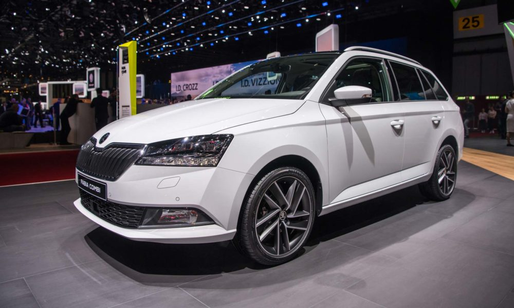 new skoda fabia debuts with stylish looks and tech autodevot. Black Bedroom Furniture Sets. Home Design Ideas