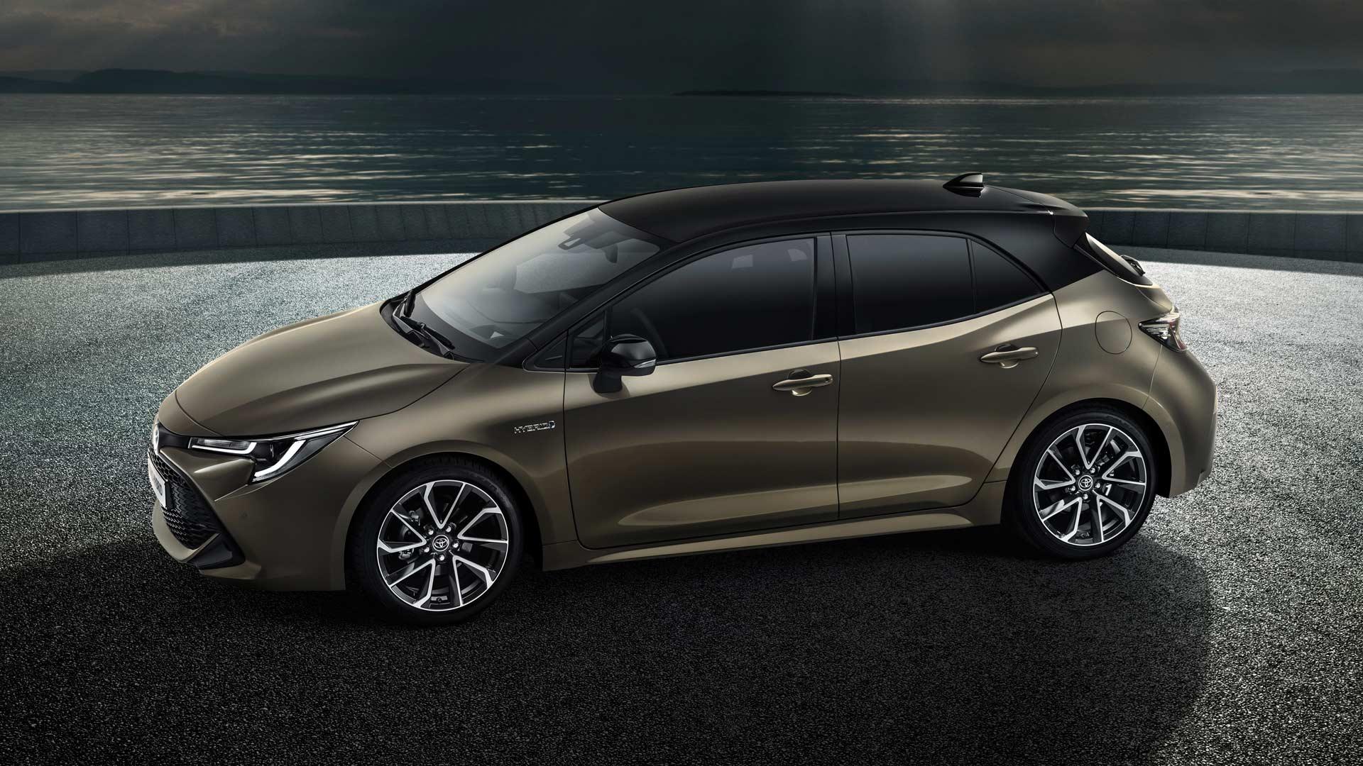 2018-Toyota-Auris-Hybrid_3