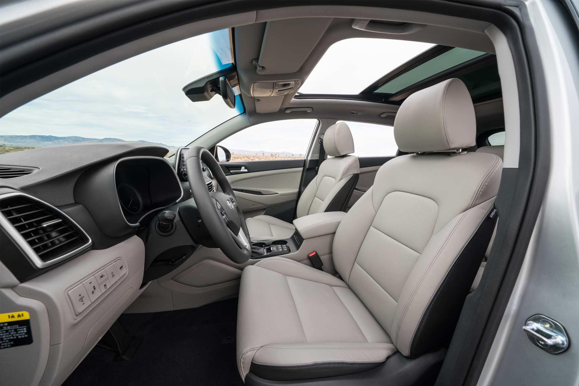 2019-Hyundai-Tucson-interior_2