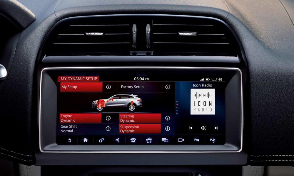 Jaguar-F-Pace-SVR-interior_4
