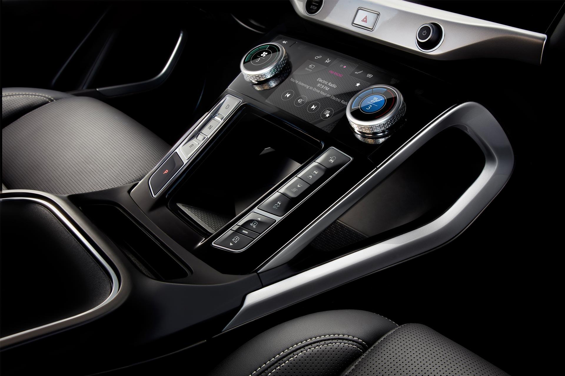 Jaguar-I-Pace-Interior_2