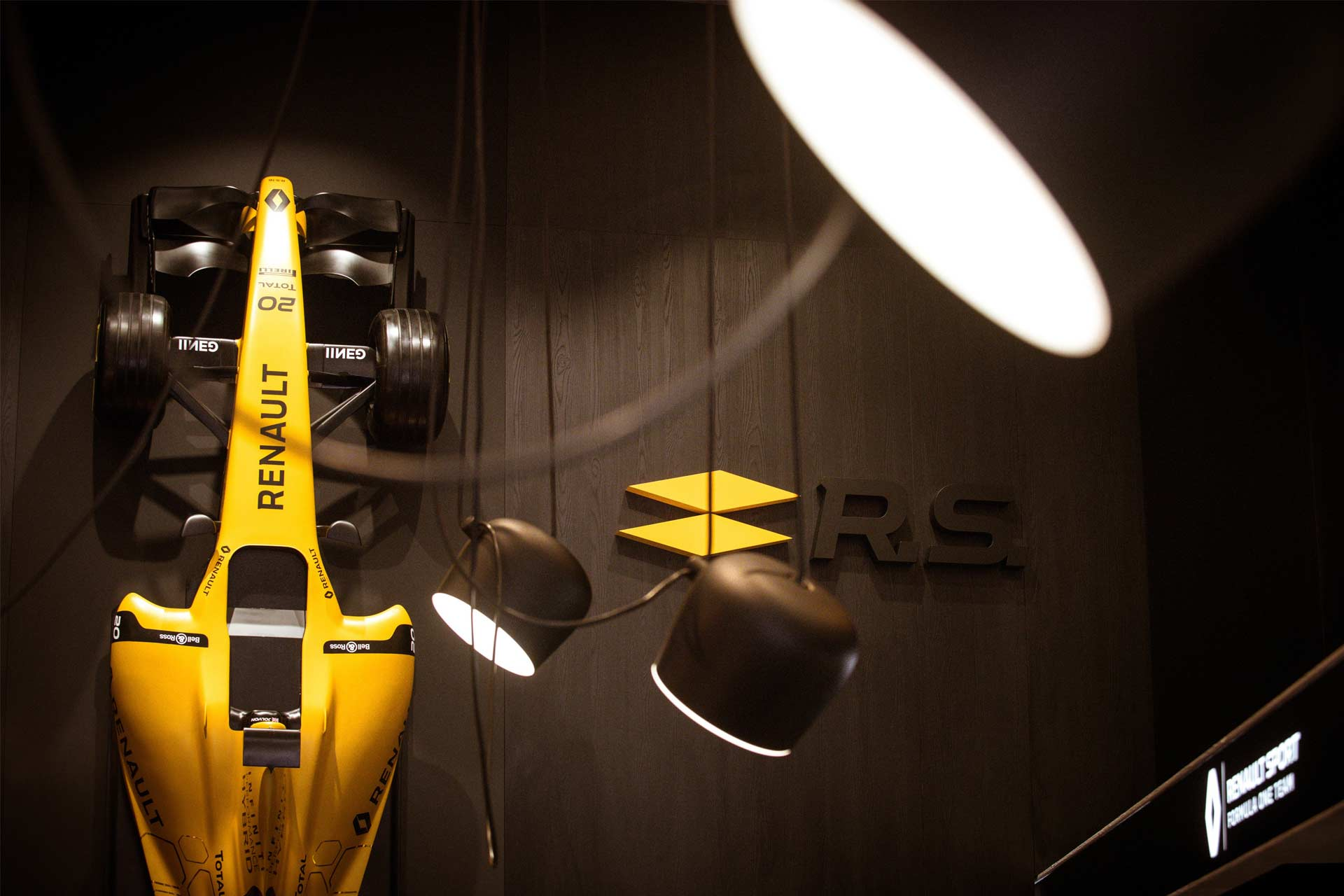 L'Atelier-Renault-Carré-Renault-Sport_8