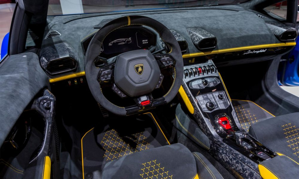 lamborghini huracan performante spyder drops top in geneva. Black Bedroom Furniture Sets. Home Design Ideas