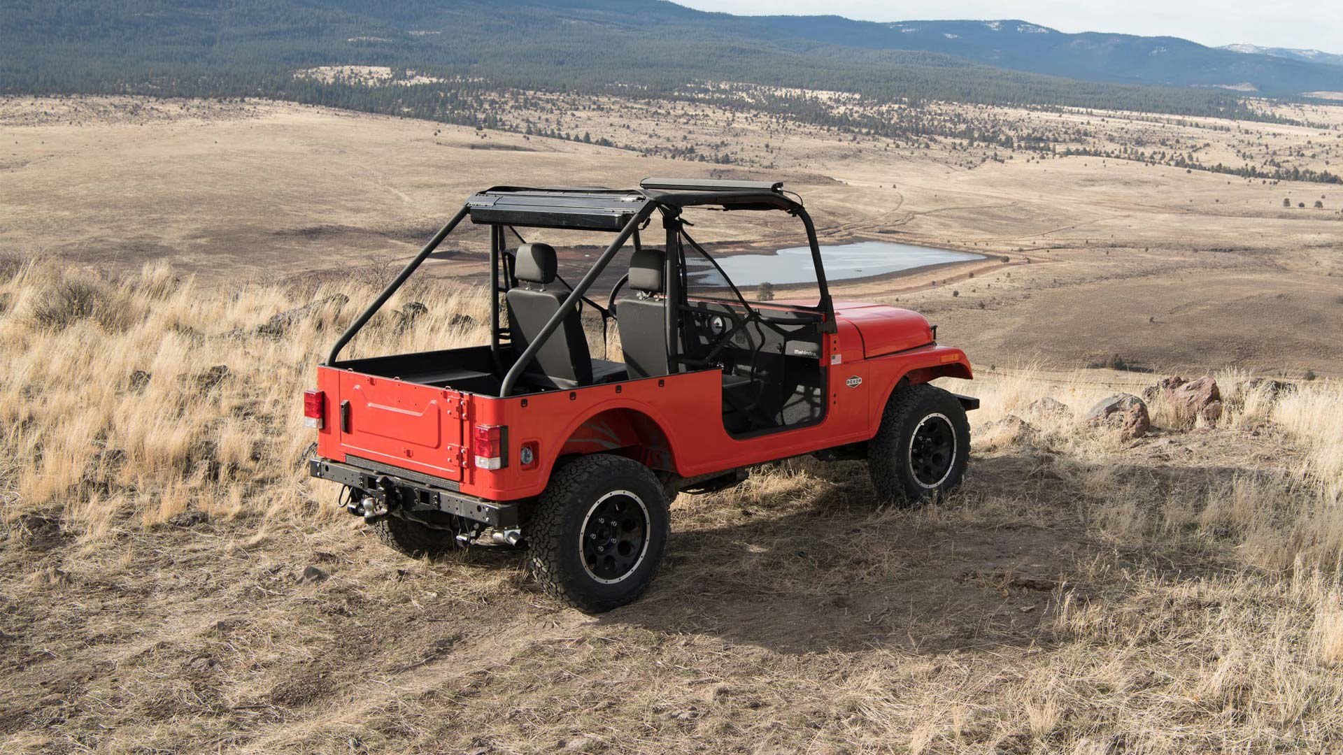 Mahindra Unveils Roxor Off Road Vehicle In Us Autodevot
