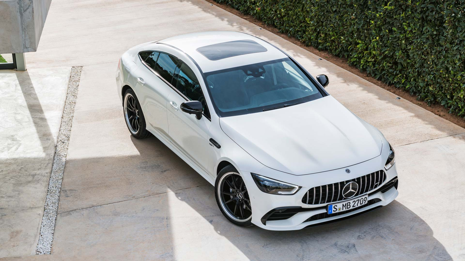 Mercedes-AMG-GT-4-Door-Coupe_3