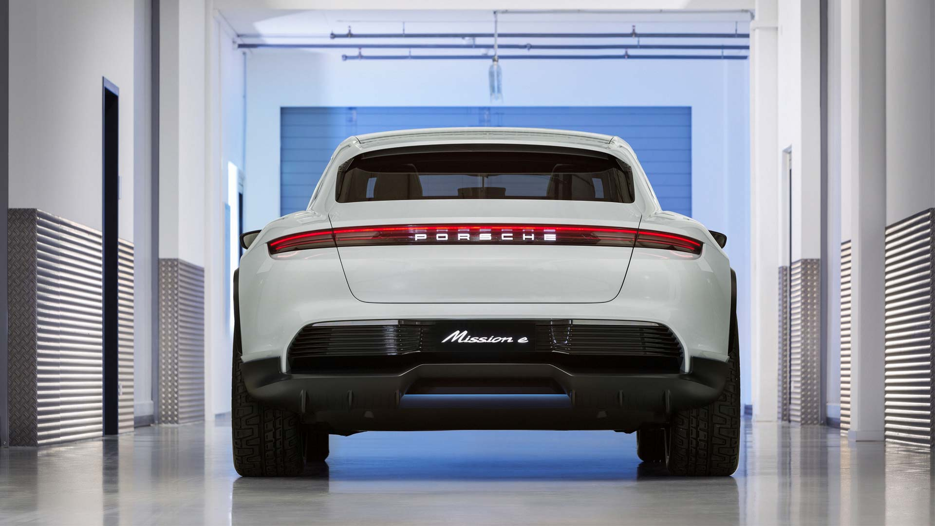 Porsche-Mission-E-Cross-Turismo_5