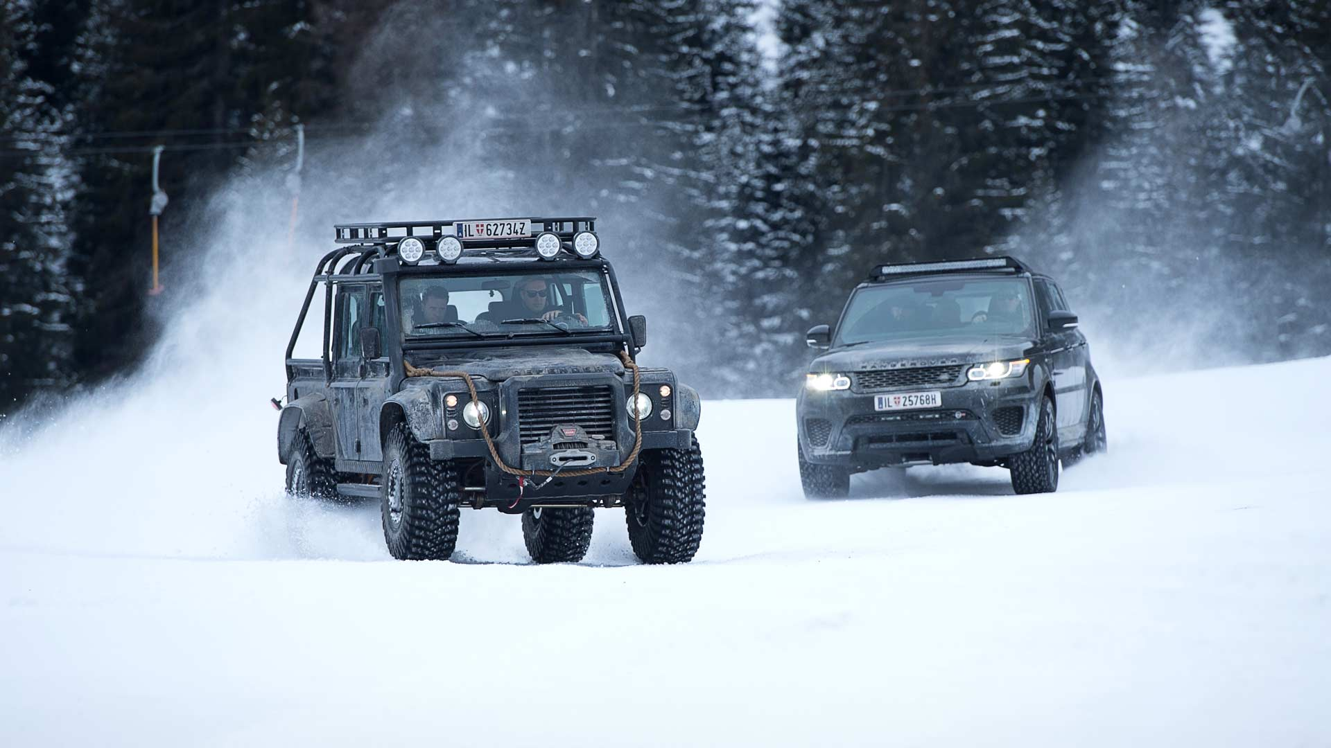 007-Elements-Solden-Land-Rover-Defender-Range-Rover-Sport-SVR