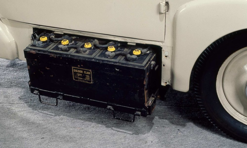 1947-Nissan-Tama-electric-vehicle-battery