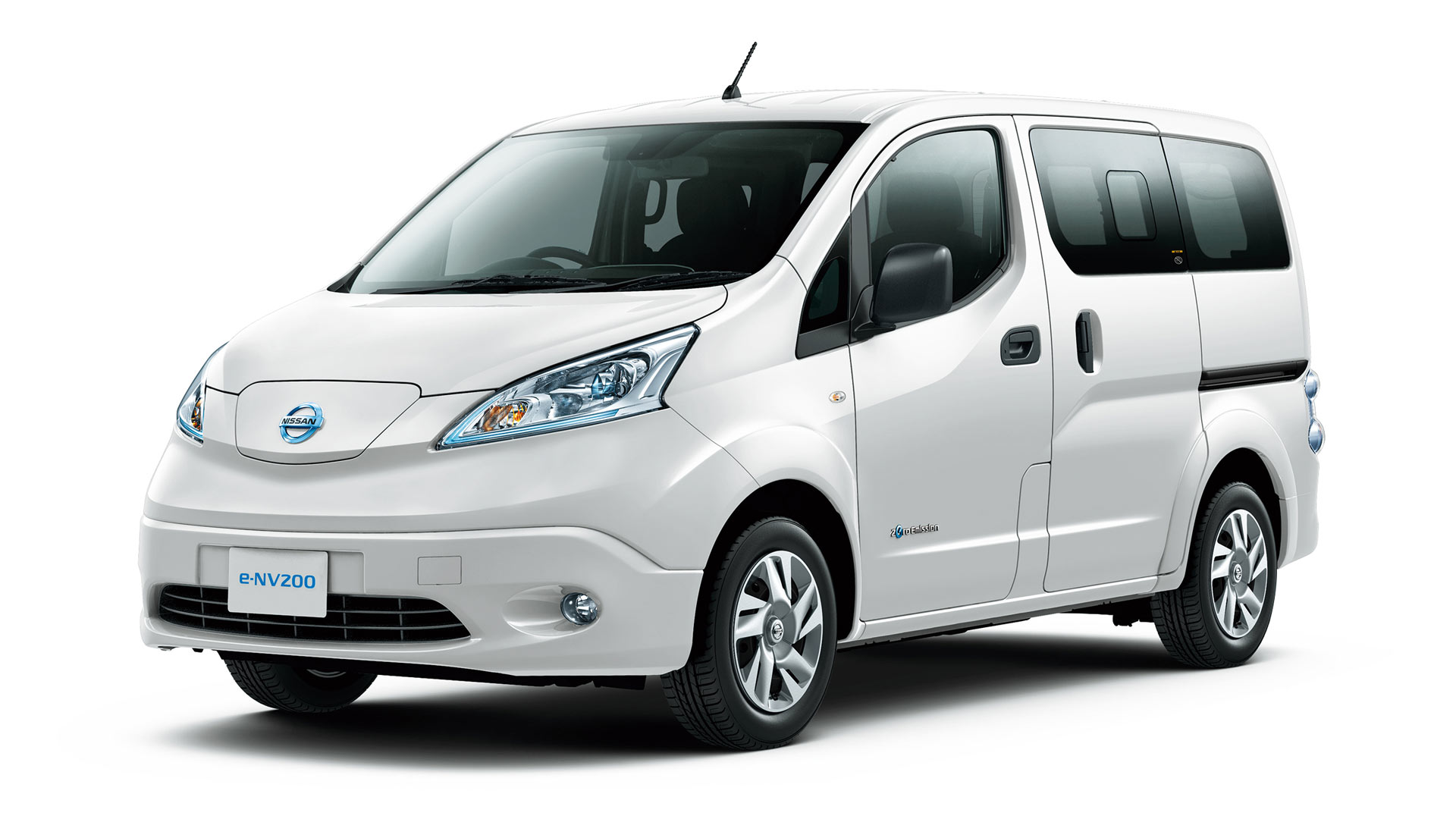Nissan Leaf Battery Warranty >> Nissan e-NV200 updated with high-capacity battery - Autodevot