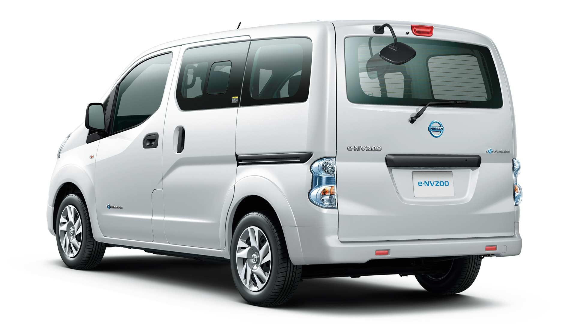 2018-Nissan-e-NV200_3