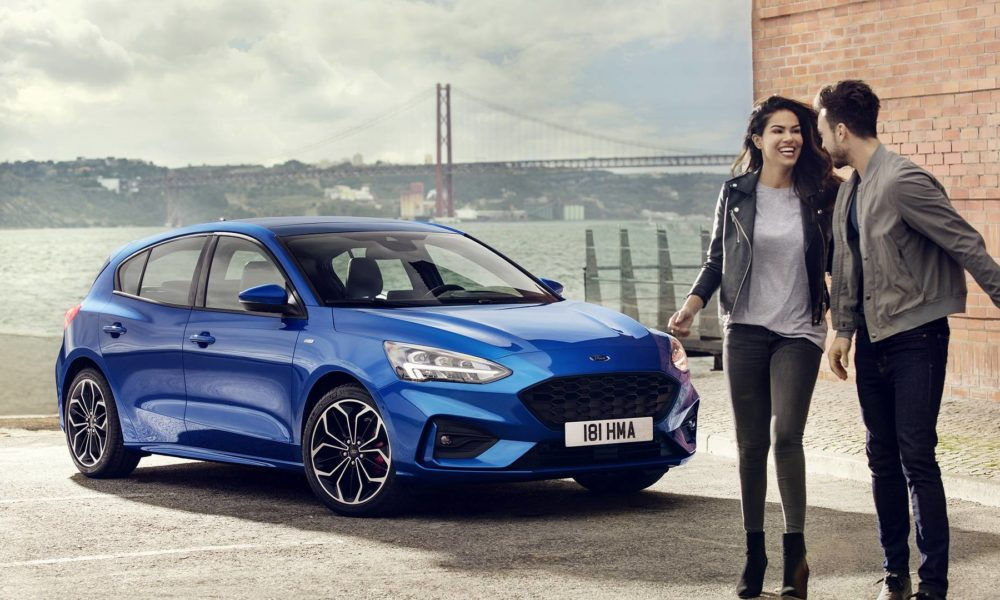 2019-4th-generation-Ford-Focus-ST-Line