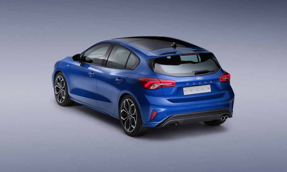 2019-4th-generation-Ford-Focus-ST-Line_4