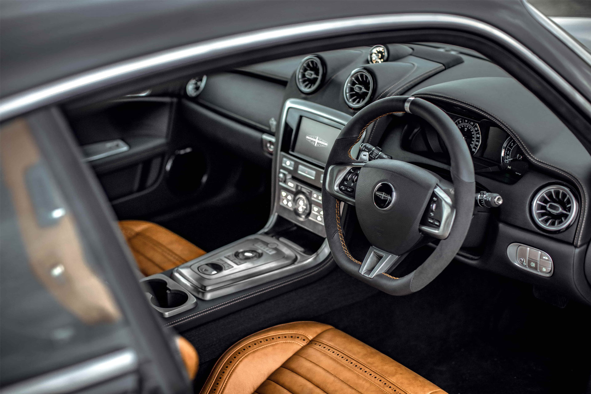 David-Brown-Speedback-Silverstone-Edition-interior