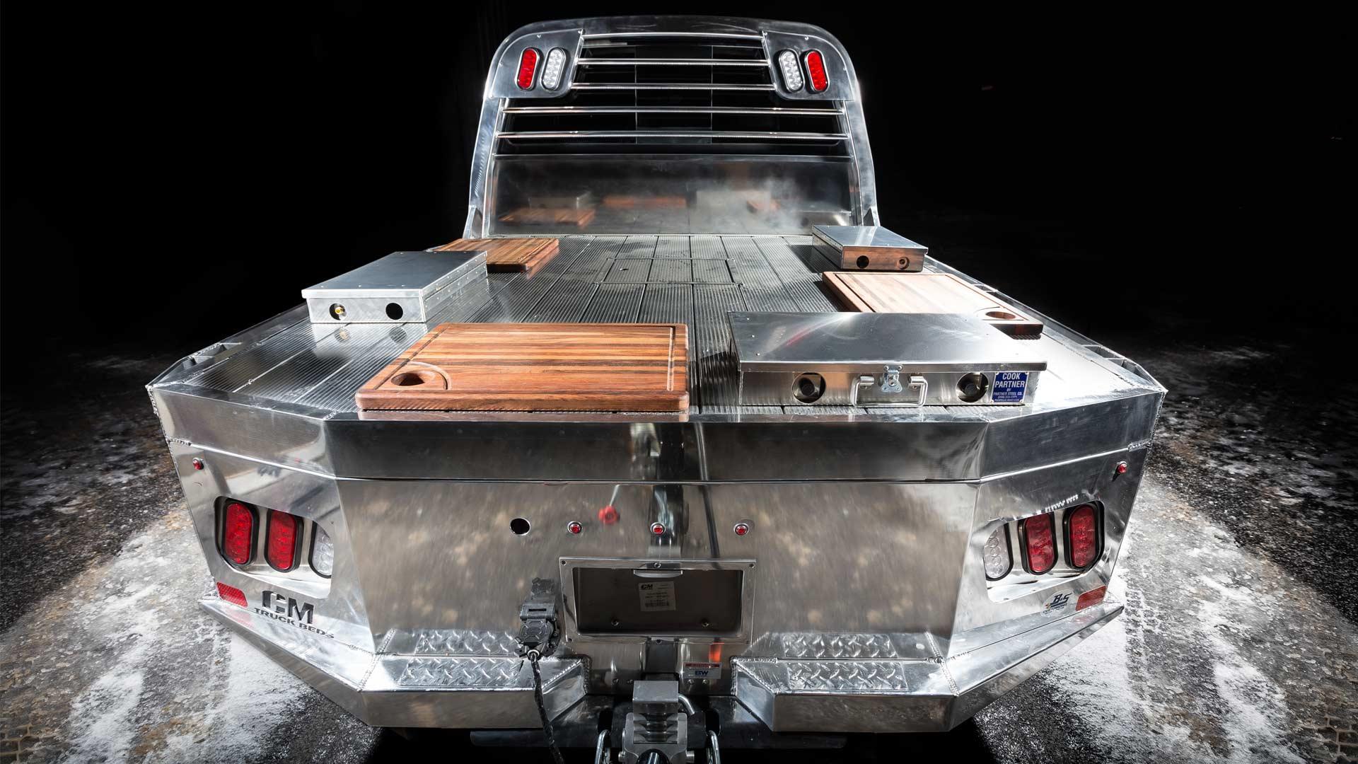 Nissan's-Smokin'-TITAN-BBQ_3