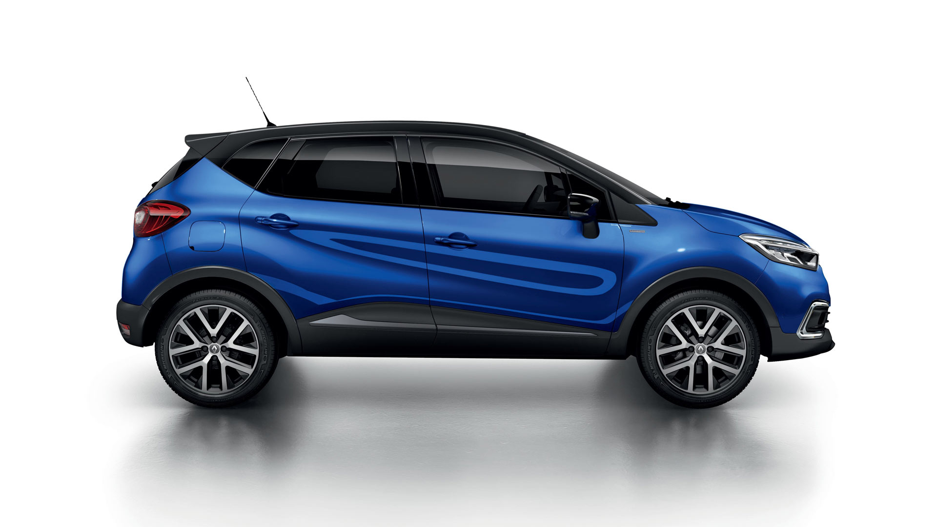 Renault Captur S Edition Gets More Power And Style Autodevot