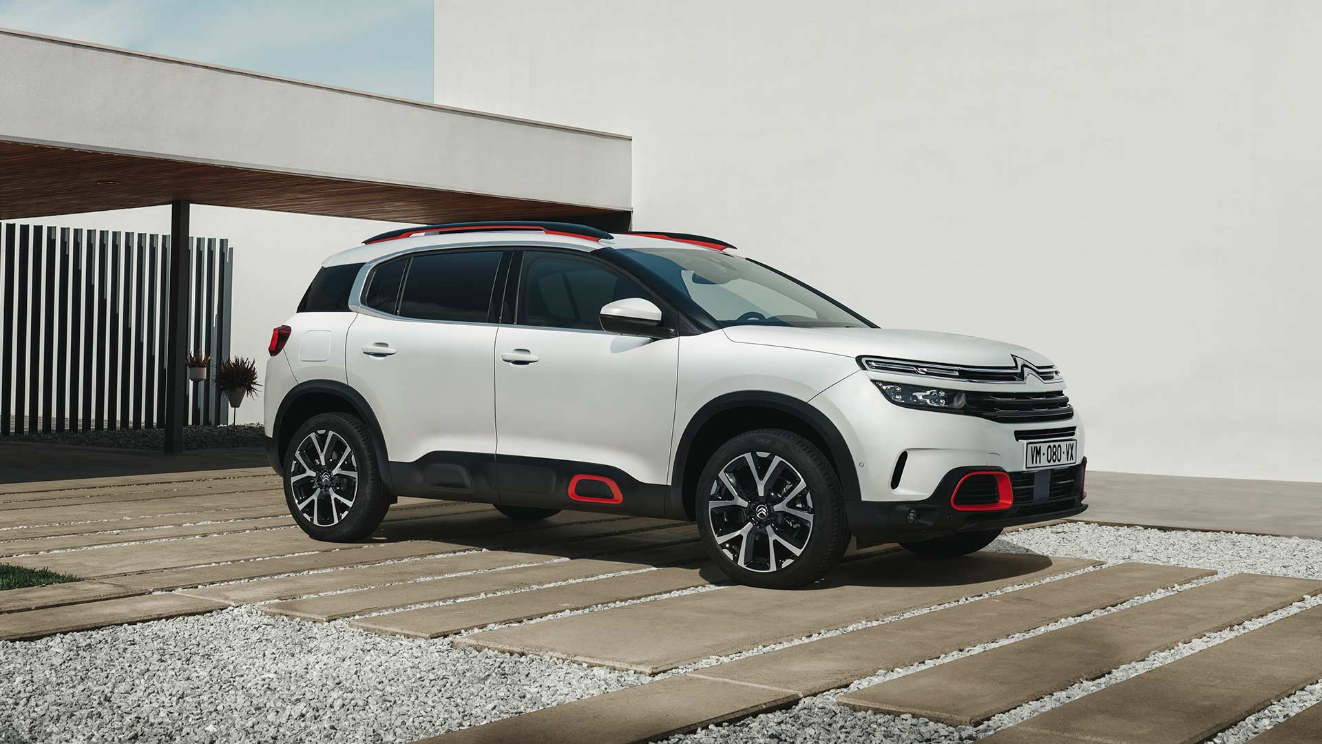 citroen c5 aircross revealed for europe autodevot. Black Bedroom Furniture Sets. Home Design Ideas