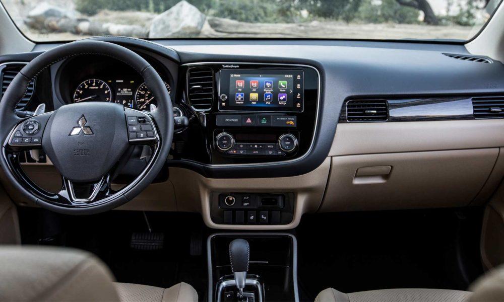 2018-Mitsubishi-Outlander-interior