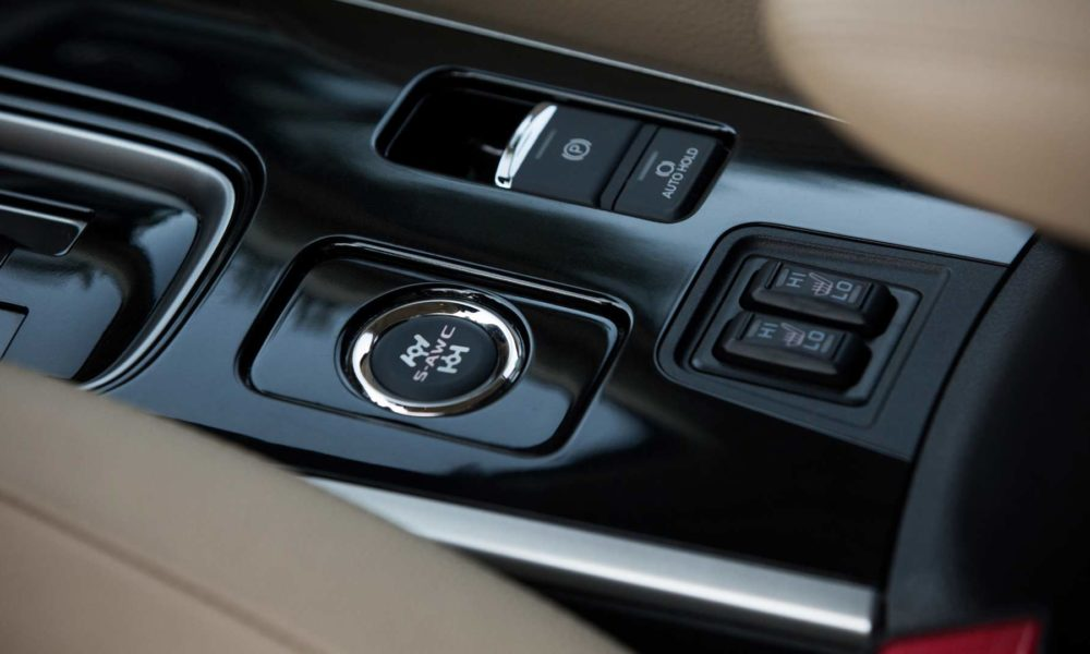 2018-Mitsubishi-Outlander-interior_2