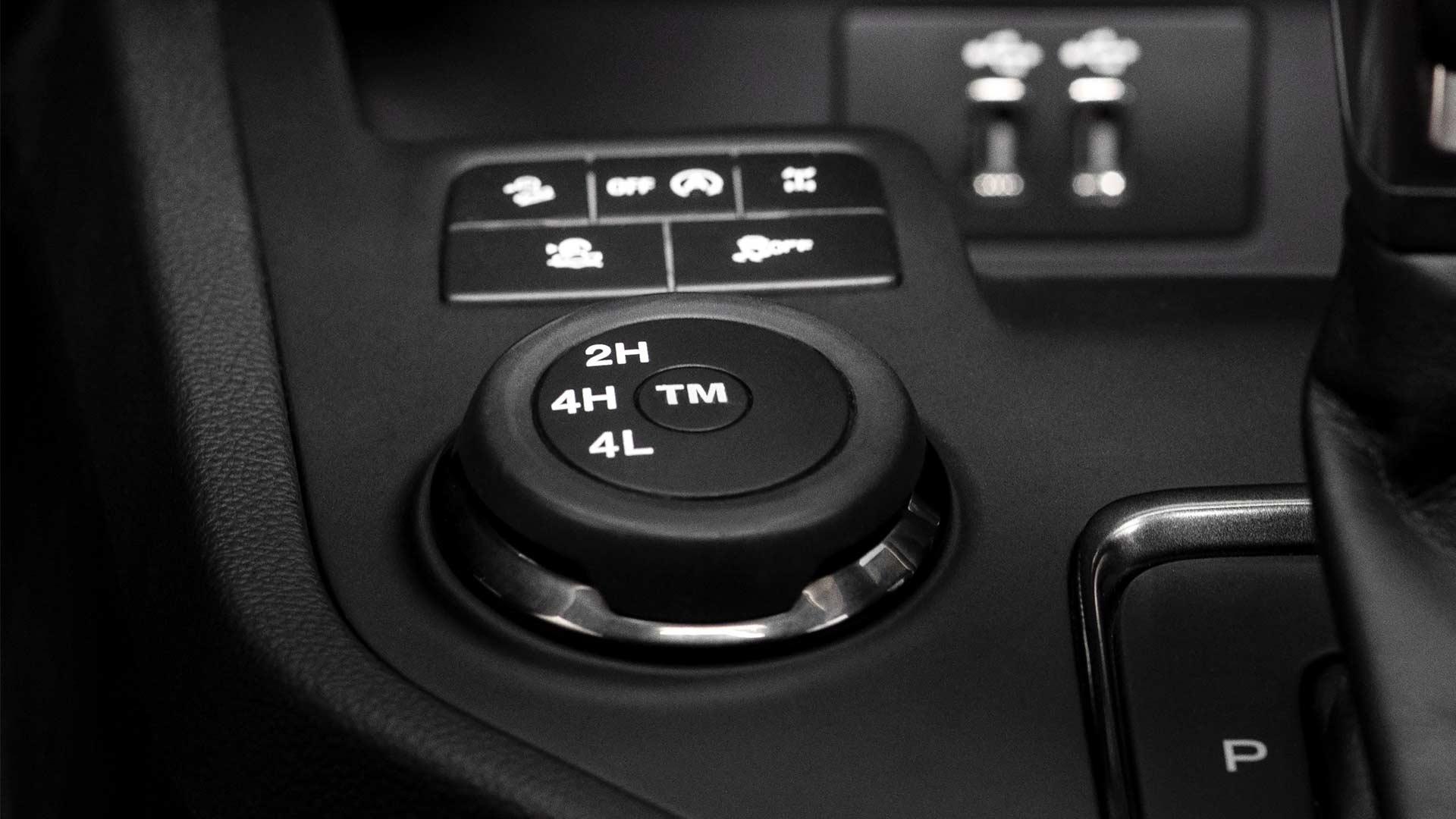2019-Ford-Ranger-interior_2