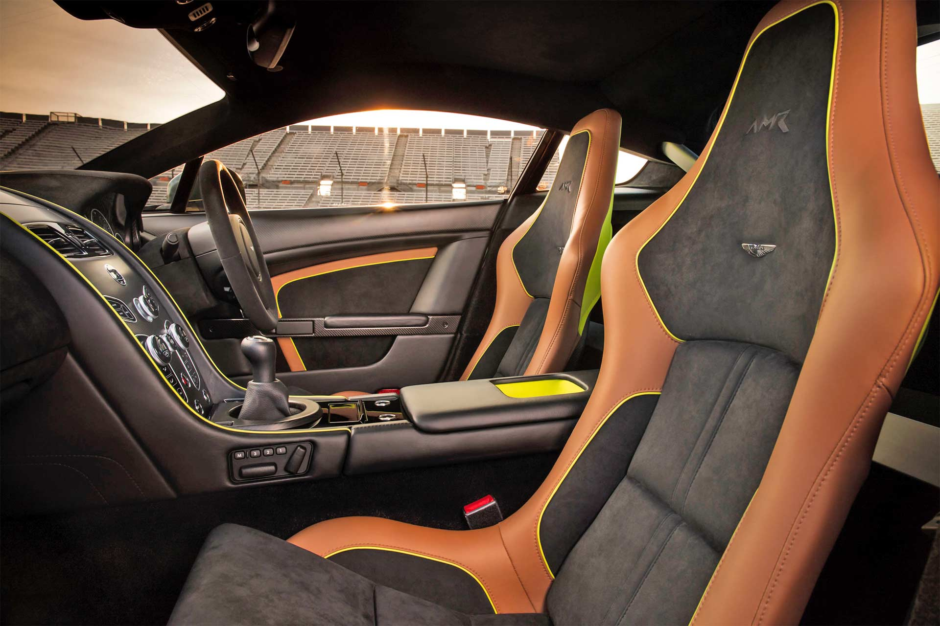 Aston-Martin-Vantage-AMR-V12-Interior