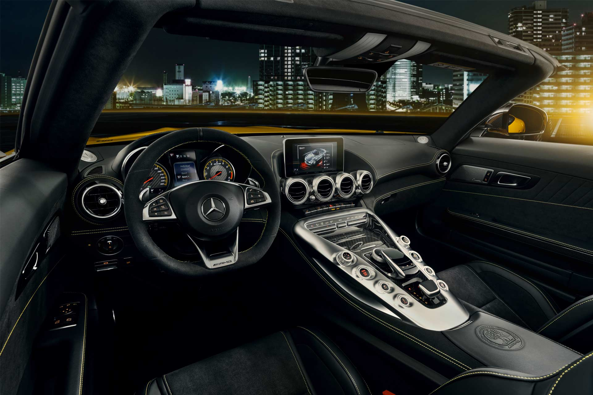 Mercedes-AMG-GT-S-Roadster-interior