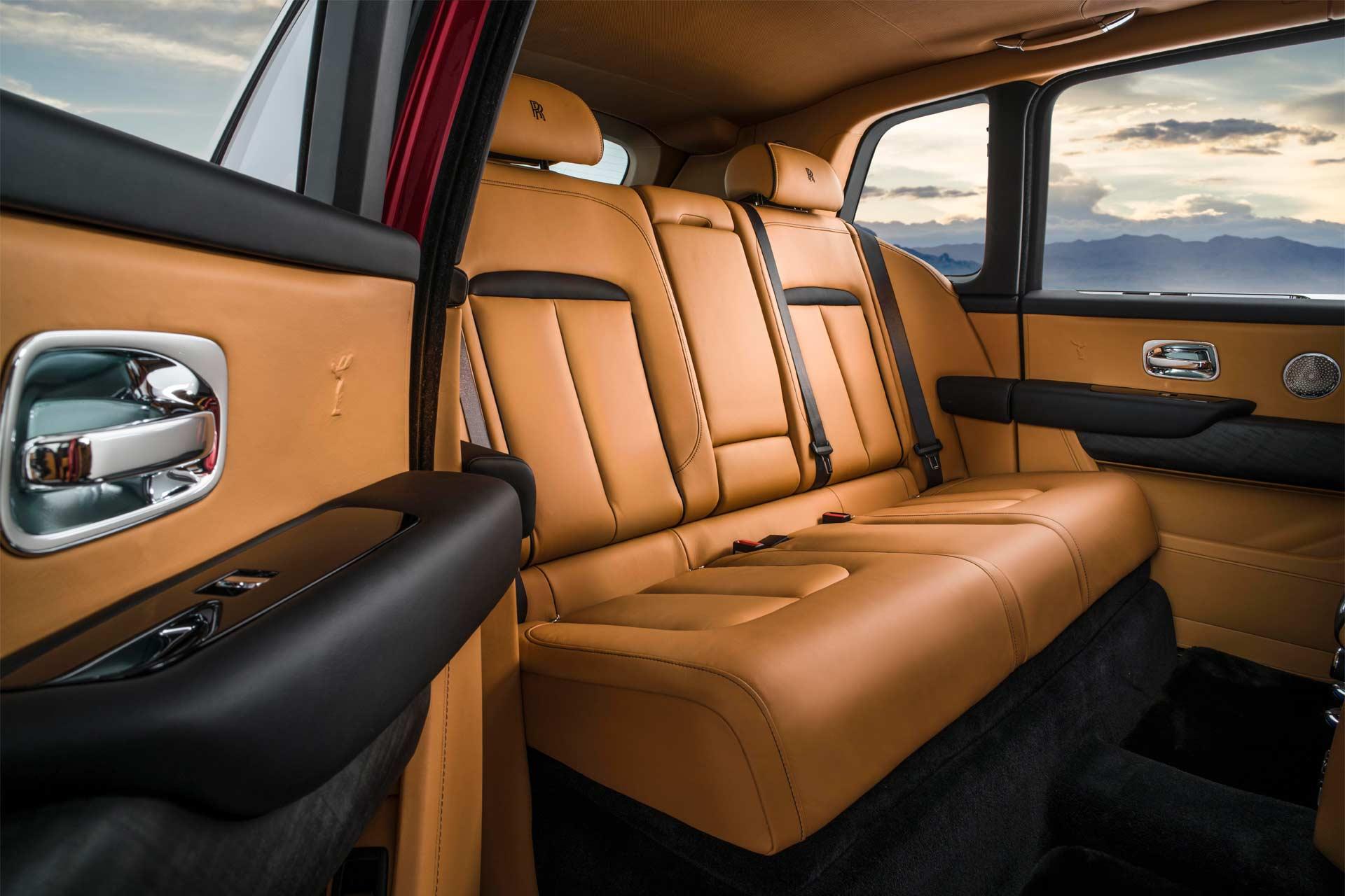 Rolls-Royce-Cullinan-interior_2
