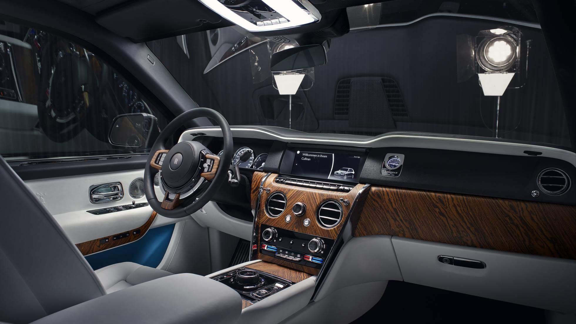 Rolls-Royce-Cullinan-interior_4