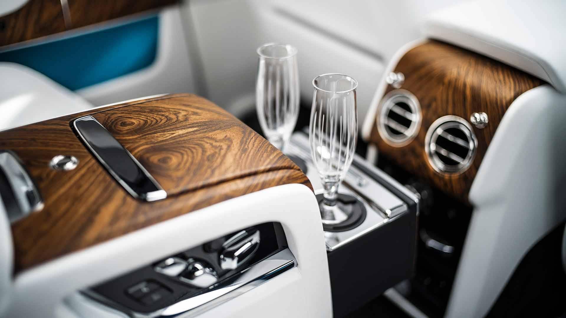 Rolls-Royce-Cullinan-interior_7