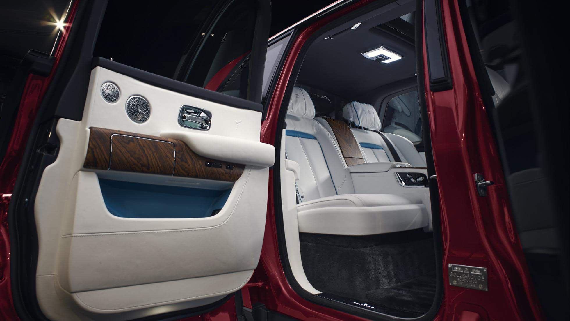 Rolls-Royce-Cullinan-interior_9