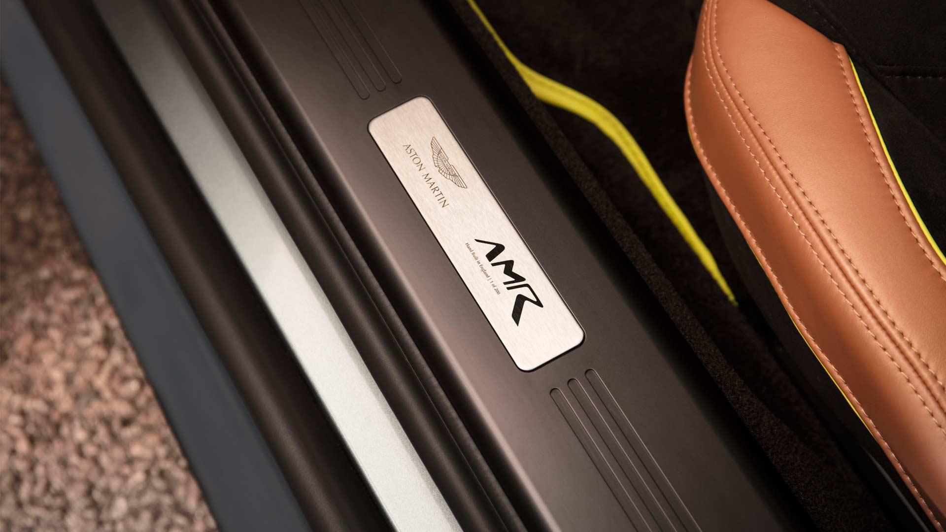 Untitled-Aston-Martin-Vantage-AMR-V12-Interior_3