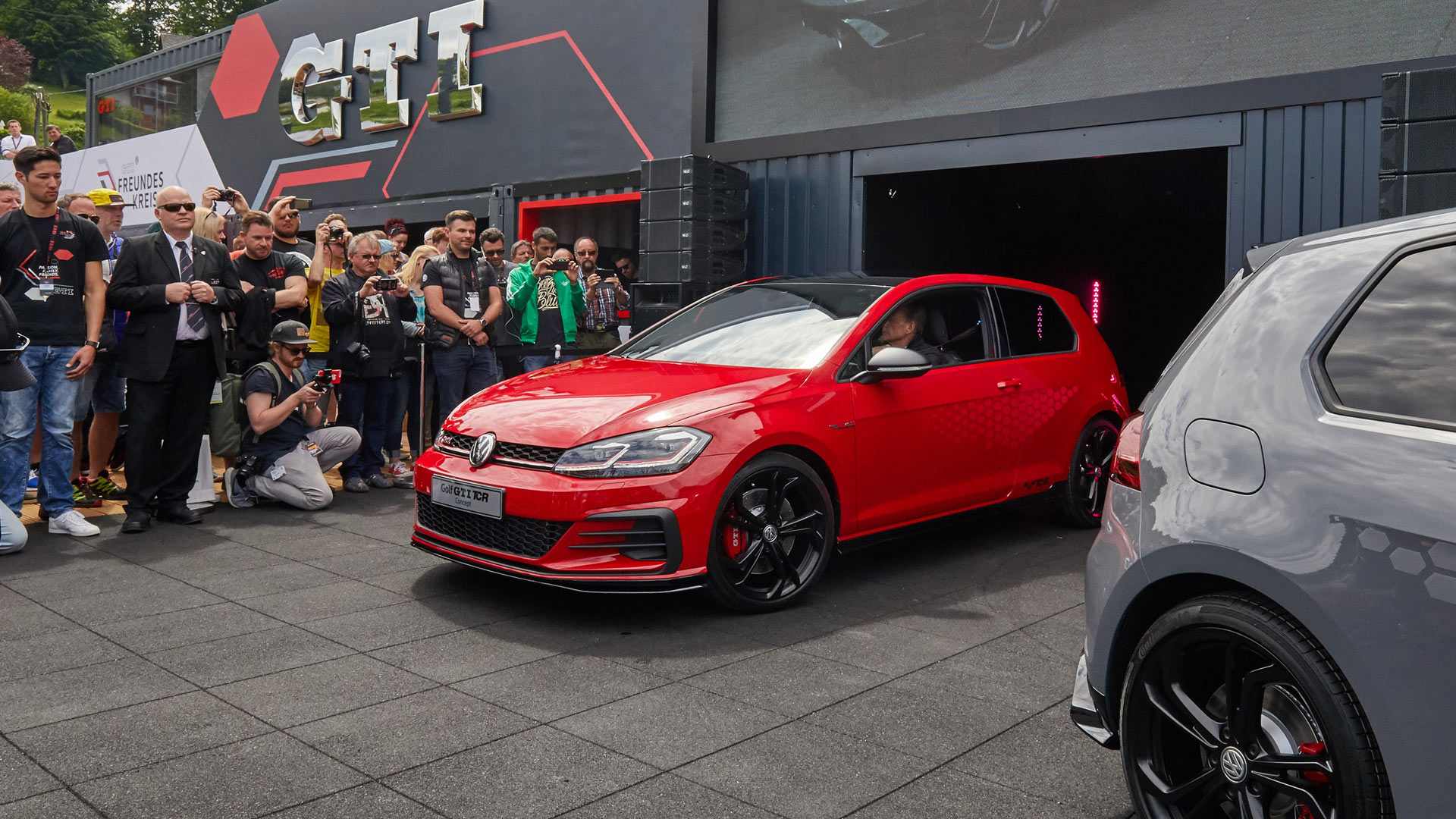 Volkswagen Golf Gti Tcr Concept Unveiled At Worthersee Autodevot