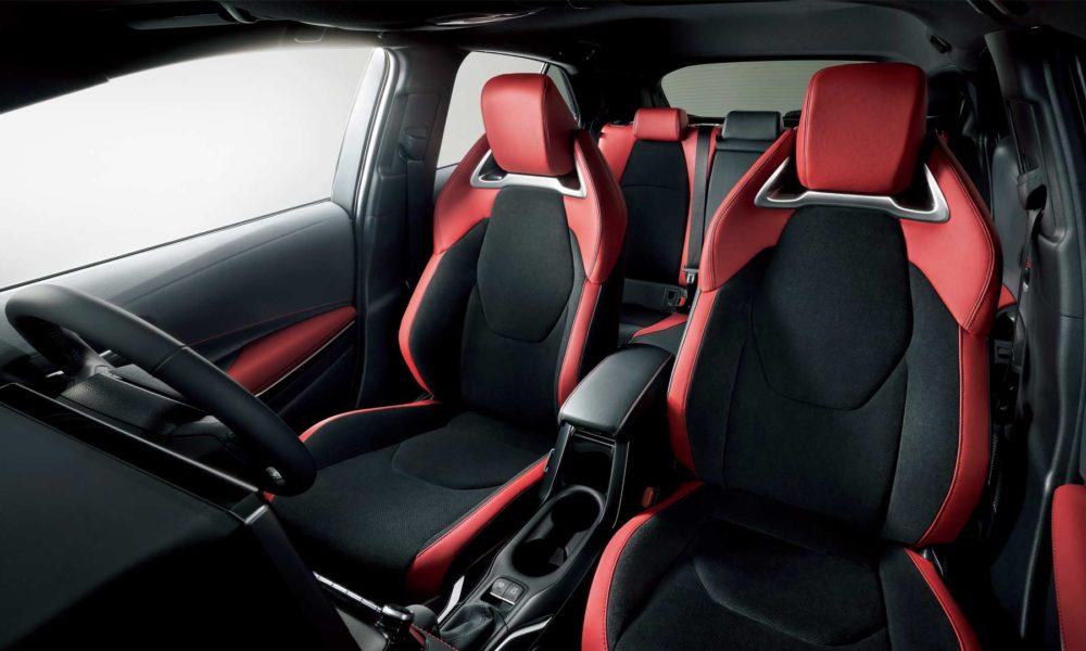 2018-Corolla-Sport-hatchback-interior_2