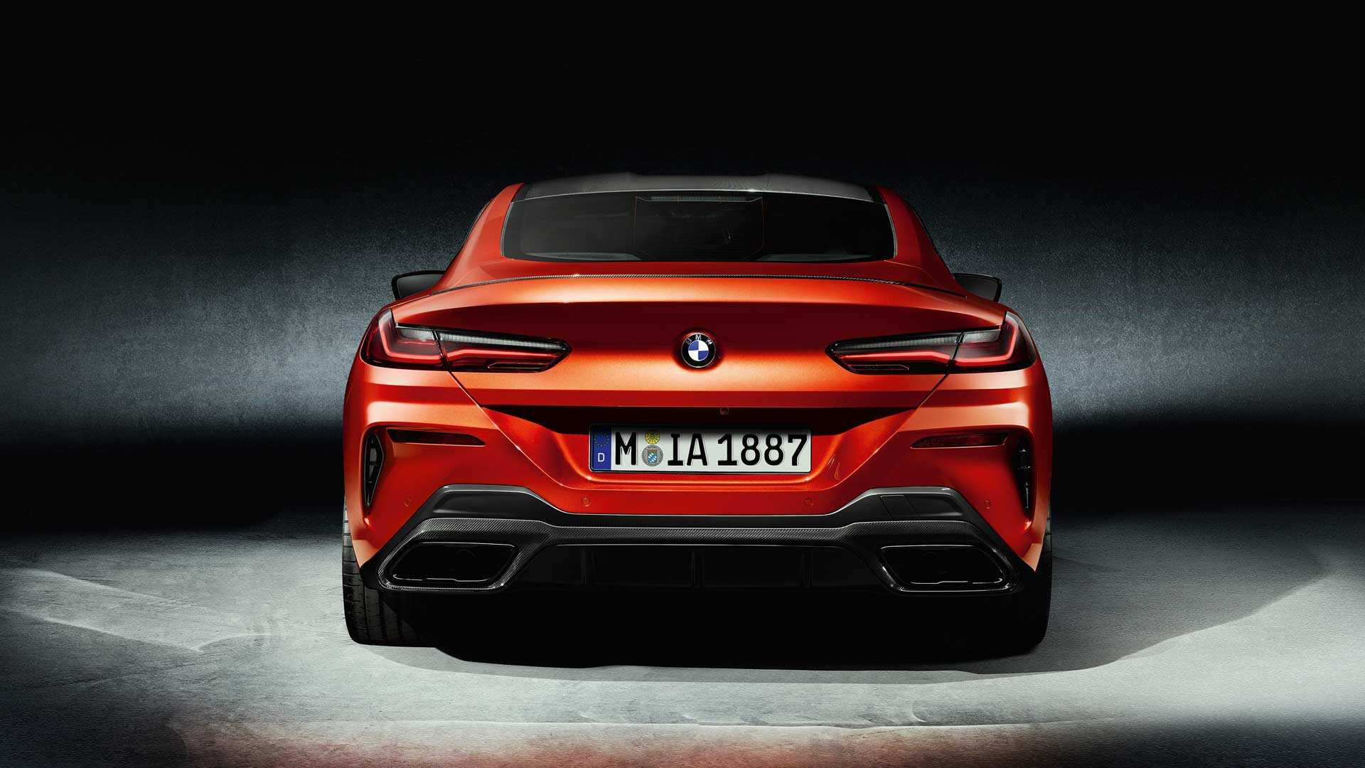 2019-BMW-8-Series-carbon-package_3