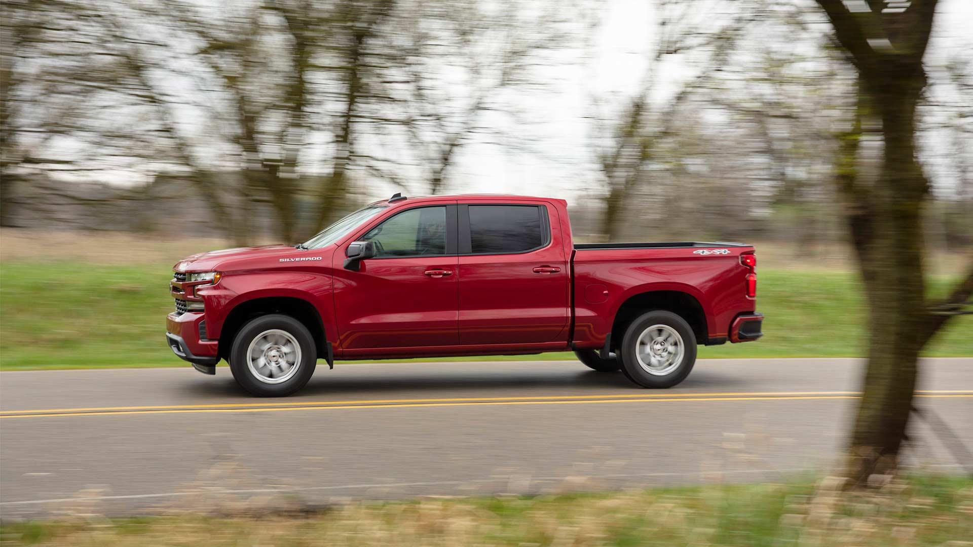 2019-Chevrolet-Silverado-RST_2