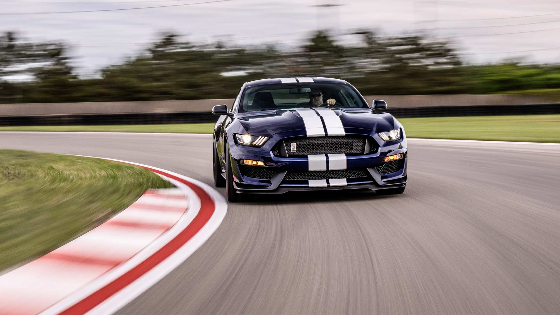 2019-Mustang-Shelby-GT350_3