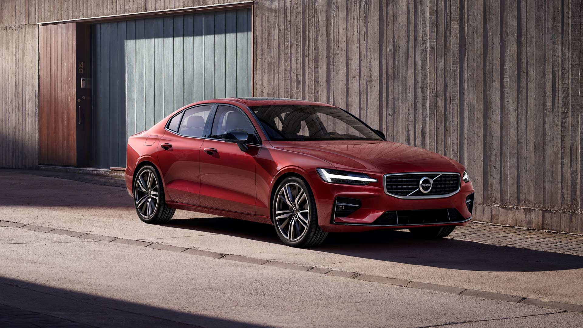 3rd-generation-2019-Volvo-S60-R-Design