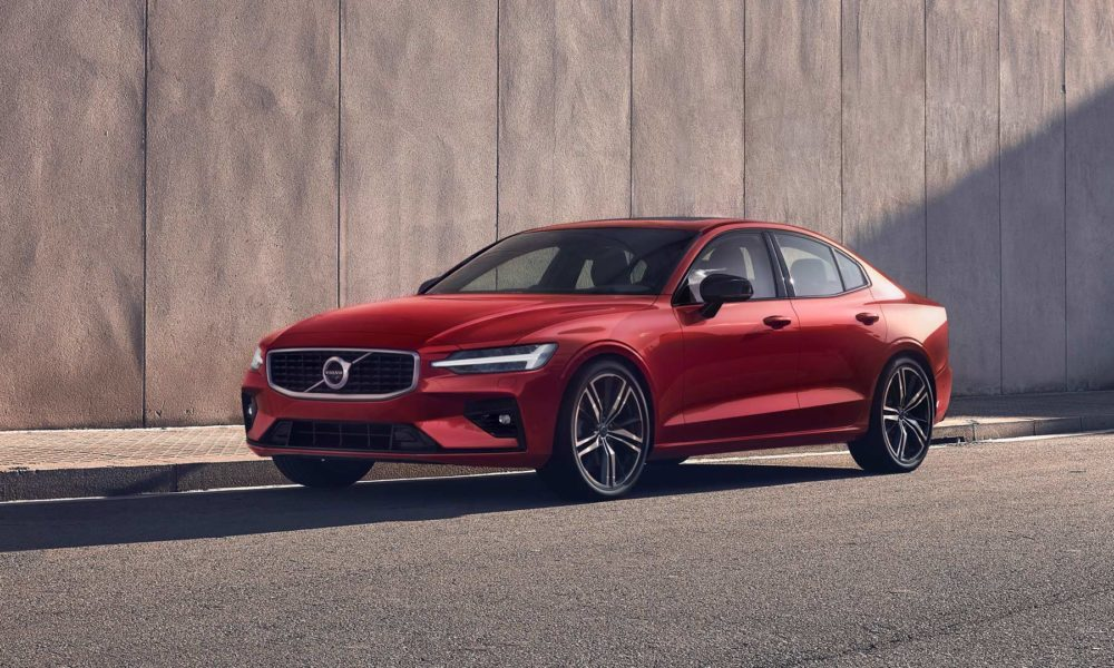3rd-generation-2019-Volvo-S60-R-Design_2