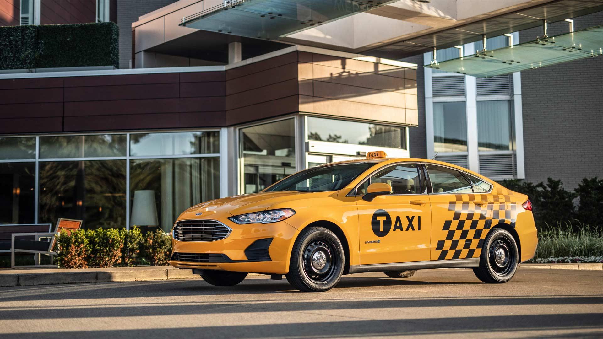 Ford-Fusion-Hybrid-Taxi