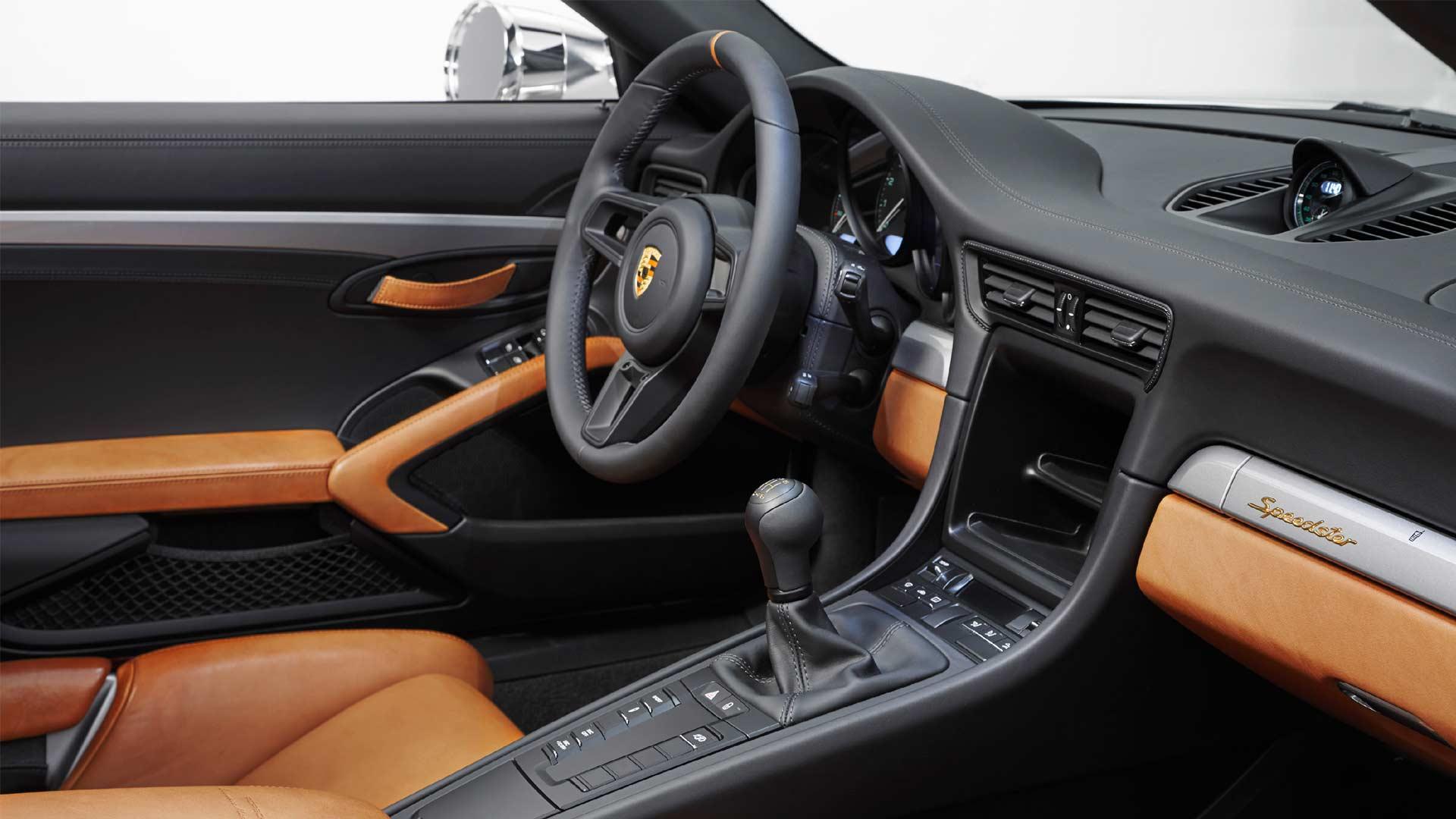 Porsche-911-Speedster-Concept-interior