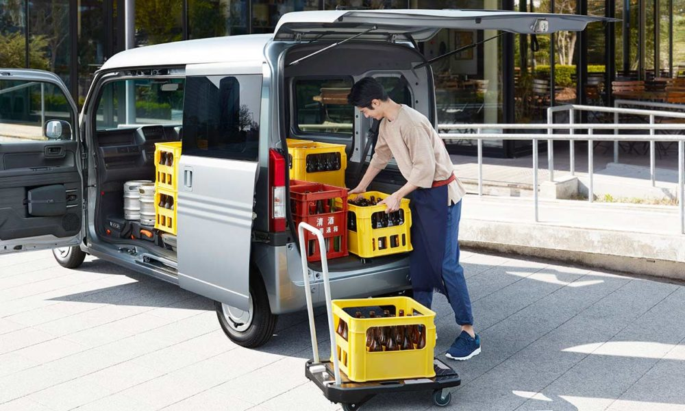 Honda N-VAN goes on sale in Japan - Autodevot