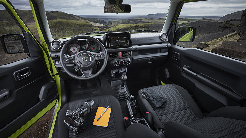 2019-4th-generation-Suzuki-Jimny-interior
